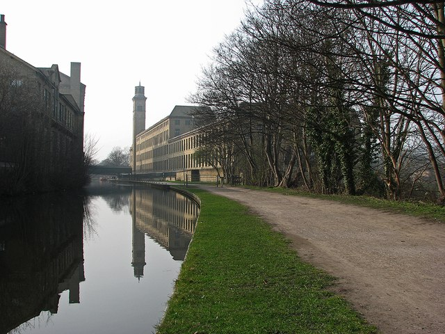 Saltaire: canal reflections