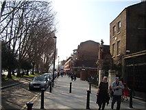 TQ3581 : View along Mile End Road towards Whitechapel by Robert Lamb