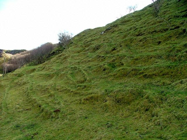 Ridges on the slopes in Fairy Glen