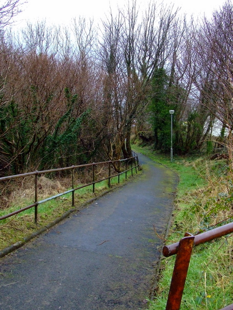 Footpath to Clune Brae