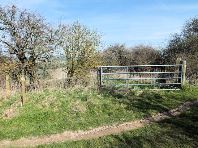Gate to the access land