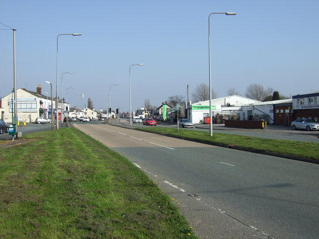 Widnes Road (A562) heading east