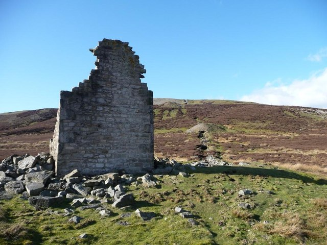 Ruined chimney and lead smelting flue