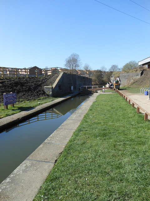 Hollingwood Lock No 6