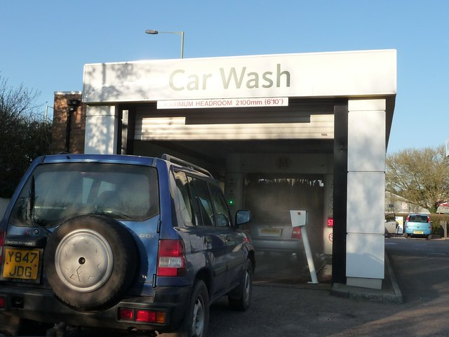 Tiverton : Morrisons Car Wash