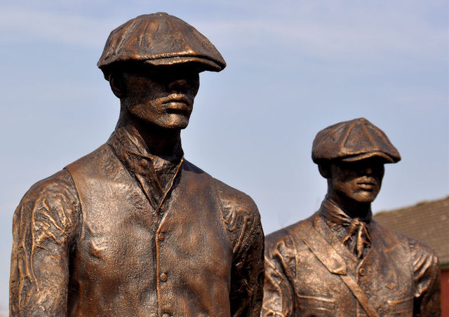 Titanic Yardmen sculpture, Belfast (2)