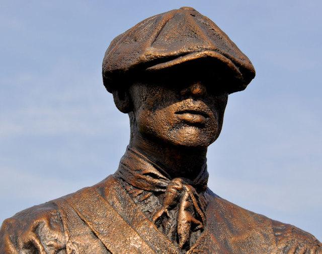 Titanic Yardmen sculpture, Belfast (4)