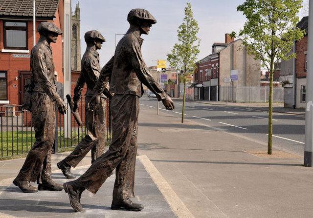 Titanic Yardmen sculpture, Belfast (5)