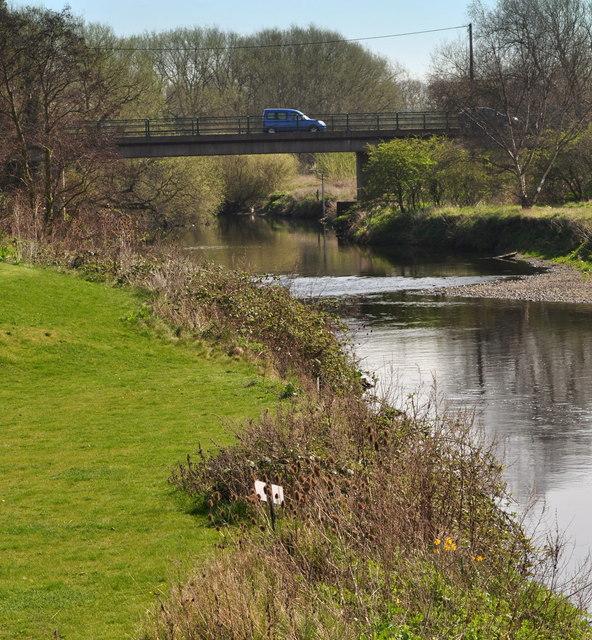 Bridge carrying A4097