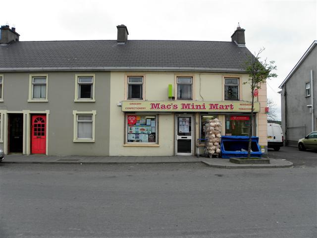 Mac's Mini Market, St Johnston
