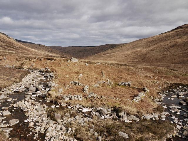 Walls of shielings in Glen Scaftigill