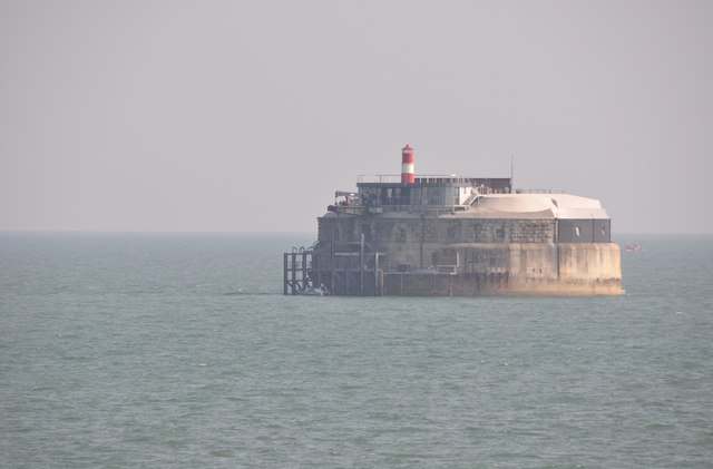 The Solent : Spitsand Fort