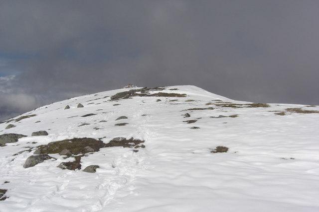 Beinn Eunaich: height 989 m, prominence 425 m