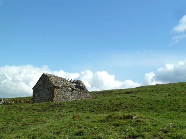 Ruined barn on Middleton Moor