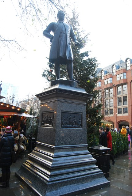 Frasers statue, Albert Square
