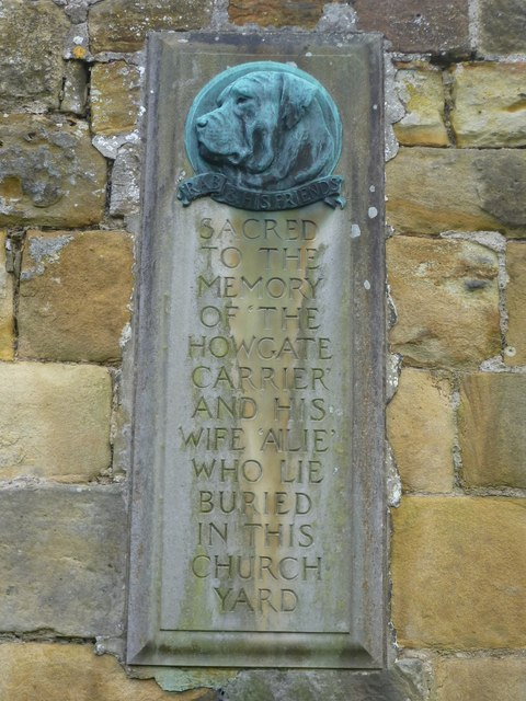 Memorial to the 'Howgate Carrier' and his wife