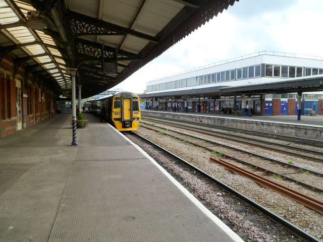 Cheltenham train at Gloucester railway station