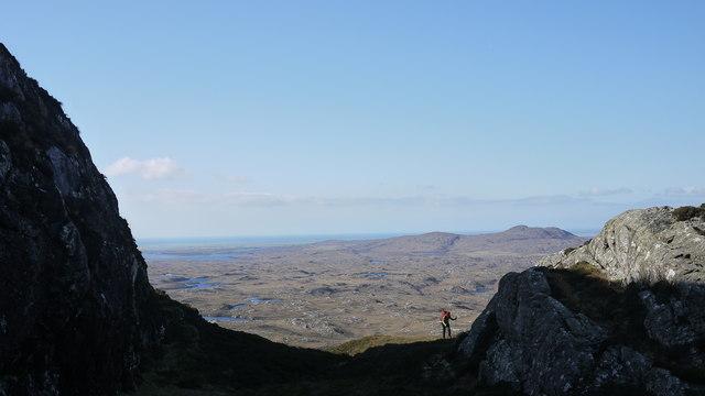Climbing to the ridge at Maol Martaig