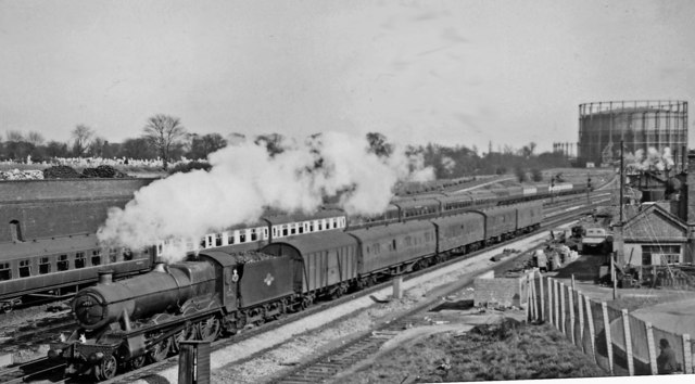 Down Parcels from Paddington approaching Old Oak Common East Junction
