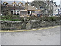 SH1726 : Hen garreg filltir ar Bont Fach - Old milestone on Pont Fach by Alan Fryer