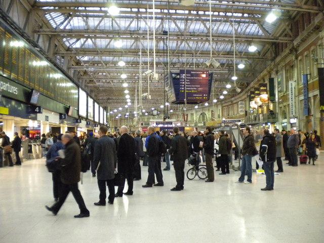 Evening rush at London Waterloo
