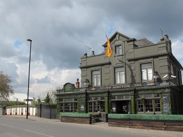 The Grand Junction Arms And Bridge No9 Acton Lane NW10