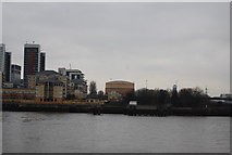 TQ3980 : View across the River Thames by N Chadwick