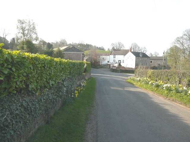 Entering Farlam from the north