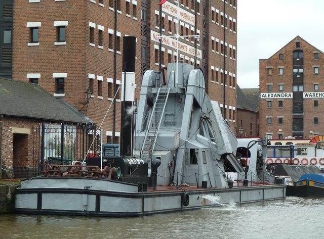 Gloucester Docks and Gloucester Waterways Museum