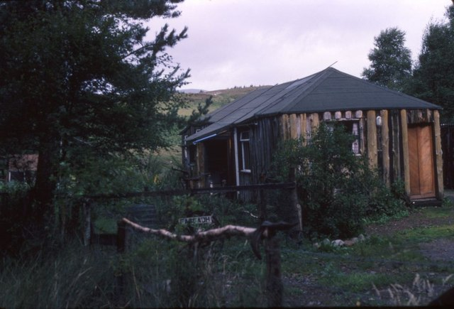 Fasgadh: former private hostel at Fersit