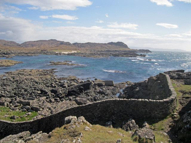 Ardnamurchan lighthouse boundary wall
