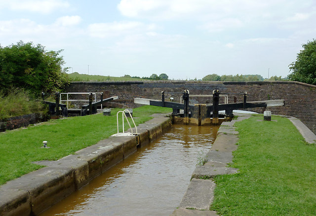Paired Locks No 48 near Church Lawton, Cheshire