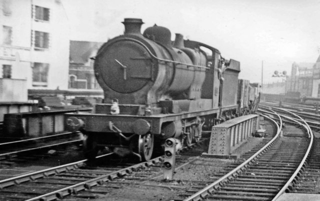Down freight entering Cardiff General