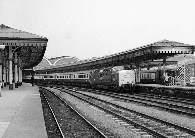 York railway station - (8)