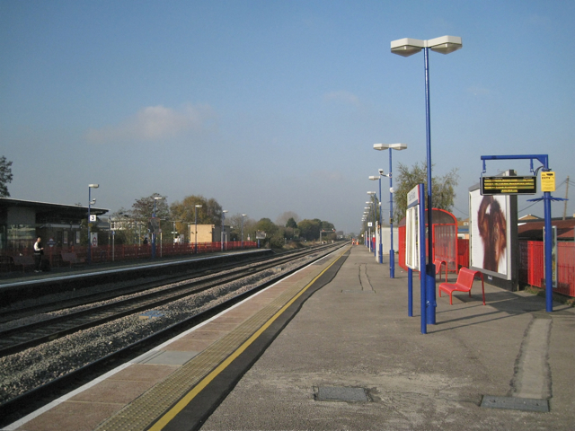 Chiltern Line through South Ruislip station
