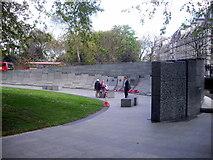 TQ2879 : Australian War Memorial, Hyde Park Corner by PAUL FARMER