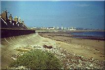 NJ9505 : Sea Wall, Fittie by Colin Smith