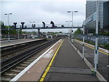 TQ3266 : Looking north from East Croydon station by Marathon