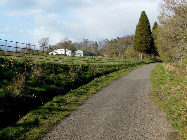 Avenue to Overtoun House