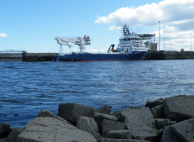 'African Vision' Leaving Port