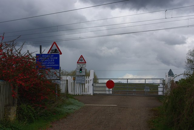 Dernford level crossing