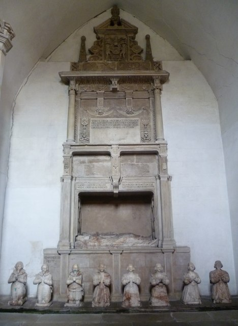 Sir George Bruce Monument, Culross Abbey