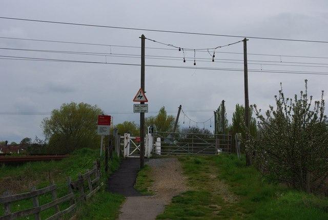 Della level crossing