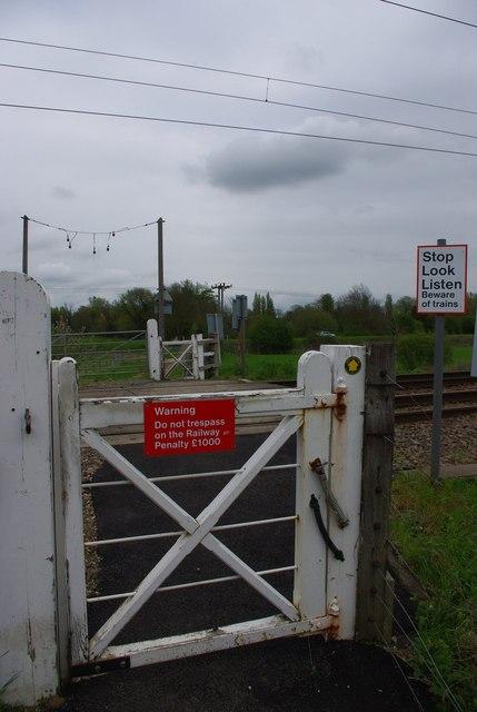 Della footpath crossing