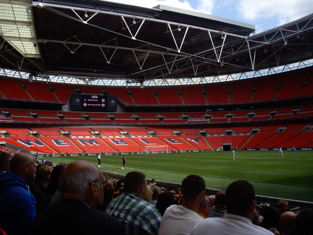 Wembley Stadium's retractable roof