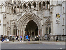 TQ3181 : The Royal Courts of Justice by David Dixon