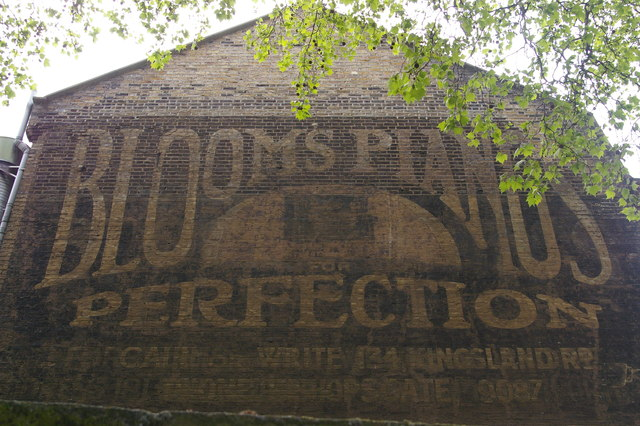 Ghost-sign, Bloom's Pianos, Kingsland Road