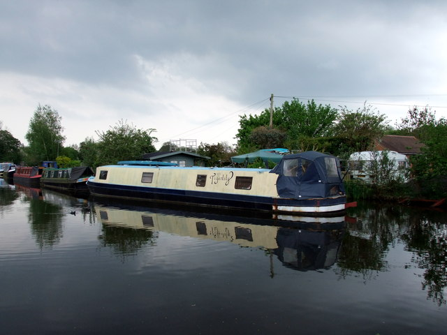 Tigerlily Narrow Boat on the Grand Union Canal at Rickmansworth