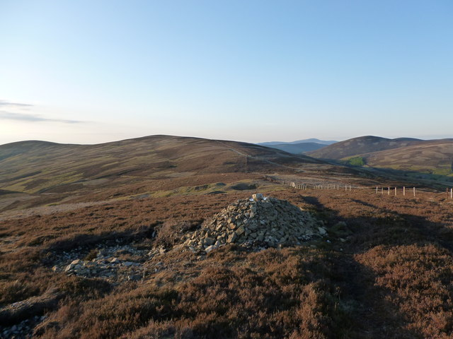Approaching the col between Wanlock Dod and Sowen Dod
