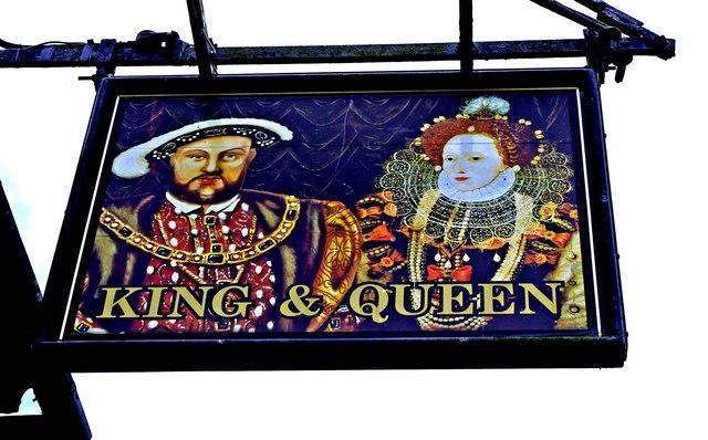 King & Queen (2) - sign, 14-15 High Street, Highworth